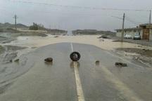 سیلاب مسیر روستای خرو طبس را بست