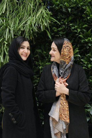 گلاب آدینه و دخترش در جشنواره فیلم فجر+ عکس
