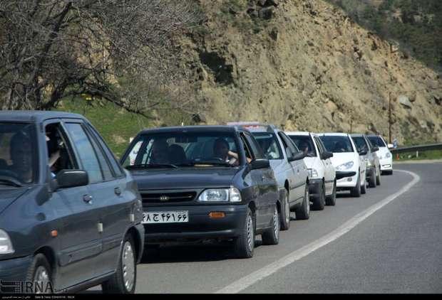 ترافیک در جاده کندوان نیمه سنگین است