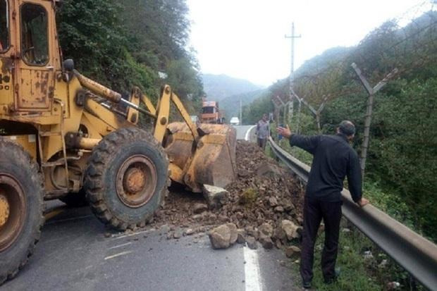 راه پنج روستای آستارا به علت رانش زمین نا امن است