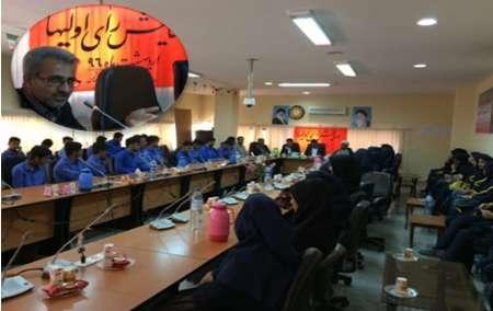همایش دانش آموزان رای اولی در بستک برگزار شد
