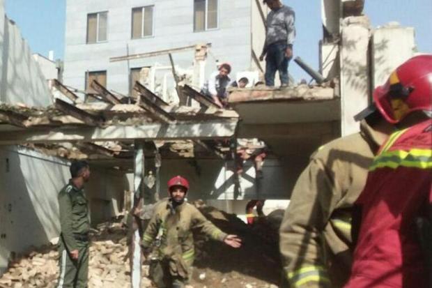 ریزش آوار در شوش تهران 6 نفر را روانه بیمارستان کرد