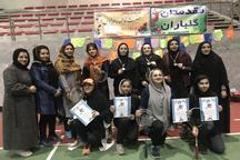 مسابقات بدمینتون مادران و دختران همدانی برگزار شد
