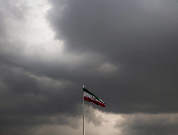 22 بهمن در گلستان ابری و مه آلود است