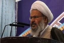 انقلاب اسلامی ملت ایران را از اسارت آمریکا و اروپا آزاد کرد