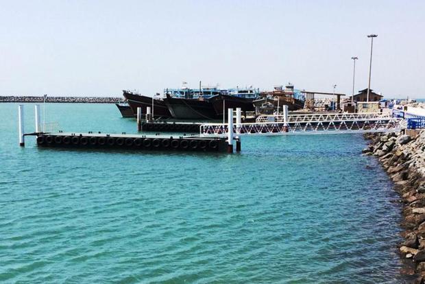یک فروند اسکله شناور جدید به بندرگاه جزیره هرمز افزوده شد