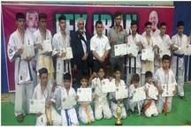 مهاباد قهرمان مسابقات کاراته کشور شد