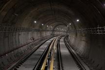 کارکنان متروی اهواز همچنان منتظر پرداخت حقوق هستند