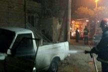 حادثه آتشسوزی خودروی وانت پیکان در ساختمان مسکونی  نجات مرد 40 ساله در طبقه دوم