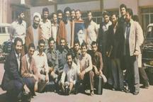 آشنا منتشر کرد: عکسی قدیمی از سفر رهبر معظم انقلاب به هندوستان