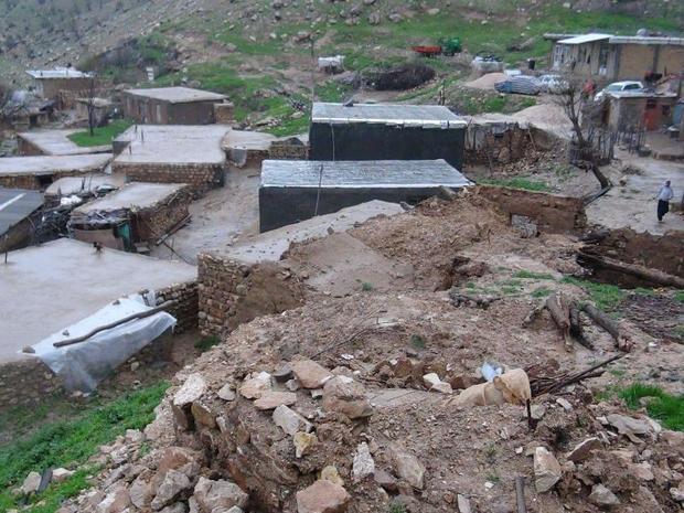رانش زمین منجر به تخریب 2 واحد مسکونی در گیلانغرب شد