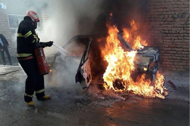 ۲ آتشسوزی جداگانه در بوکان یک میلیارد ریال خسارت برجا گذاشت