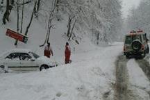 547 مسافر گرفتار در برف ملایر اسکان داده شدند