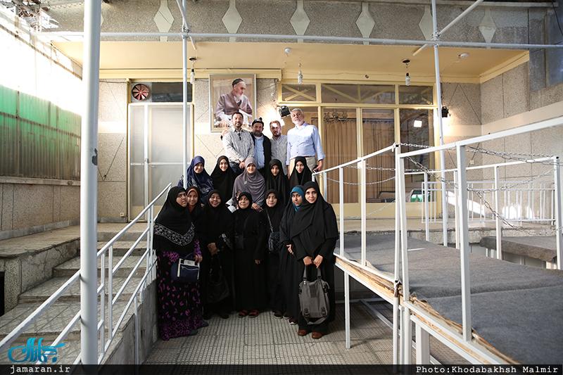 بازدید شیعیان تایلند از بیت امام خمینی در جماران