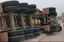 واژگونی تریلر در جاده زنجان جان راننده را گرفت