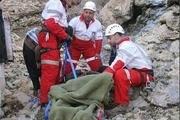 نجات یک زن کوهنوزد از مرگ حتمی توسط ماموران هلال احمر