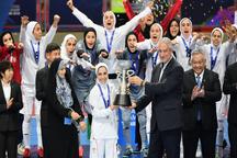 هیچ قانونی دختران را از المپیک محروم نمی کند/ ایران تصمیم گرفته پسران را اعزام کند!