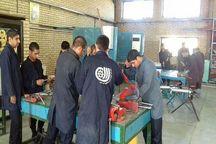 فنی و حرفه ای جوانان دهلرانی را برای کار در ان جی ال آموزش می دهد