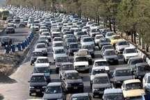 ترافیک در آزاد راه تهران- کرج- قزوین نیمه سنگین است