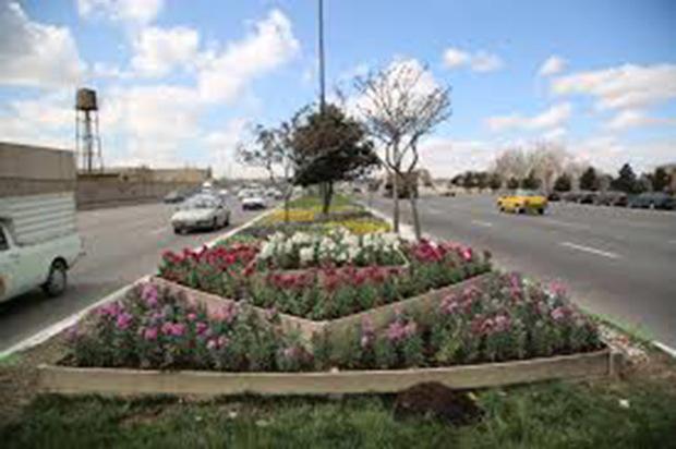 خمین با 50 هزار بوته گل در آستانه نوروز تزئین شد