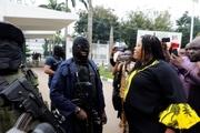 بحران سیاسی در نیجریه بالا گرفت/ پارلمان در محاصره نیروهای امنیتی+ تصاویر