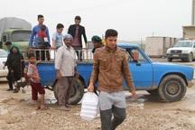 کمک های دفتر آیت ا..سیستانی بین سیل زدگان درحال توزیع است