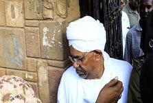 بر خلاف اخبار منتشر شده، عمر البشیر در زندان به سر نمی برد