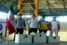 بوکسور فردیسی در مسابقات بوکس قهرمانی کشور مدال طلا گرفت
