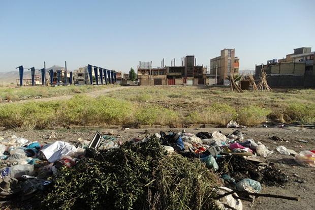 انتقال پسماندهای شهری تاکستان به جایگاه محمد آباد آغاز شد