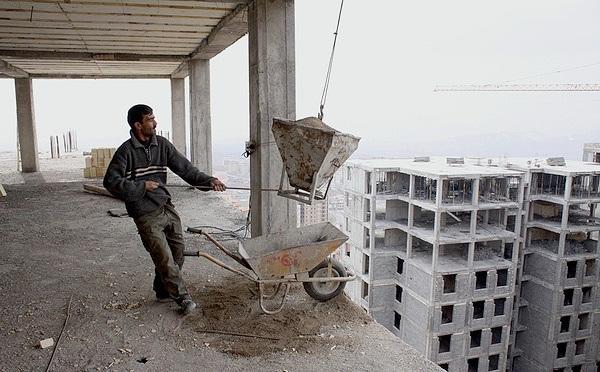 کارگران افغان فرصت های کارساختمانی را در ساوه و زرندیه گرفته اند