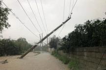 بارندگی به برخی تاسیسات توزیع برق بروجرد خسارت وارد کرد