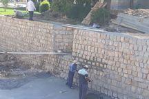 بازسازی دیوارههای ساحلی شهر نورآباد انجام شد