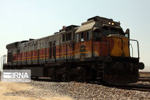 تخلیه و بارگیری ۹ میلیون تن بار در راه آهن یزد