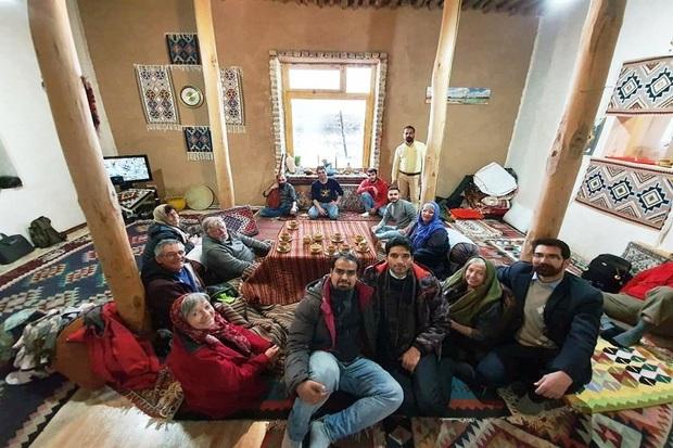 اقامت 15 گردشگر خارجی در واحدهای بوم گردی تخت سلیمان تکاب