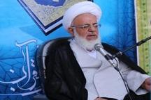 روحانیون به تکلیف خود در قبال انقلاب اسلامی عمل کنند