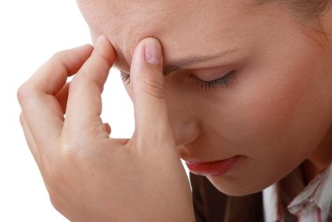 چه زمانی برای درمان سینوزیت باید به پزشک مراجعه کرد؟