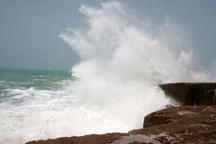 طوفان لوبان امواج دریای عمان در چابهار را به 3 متر می رساند