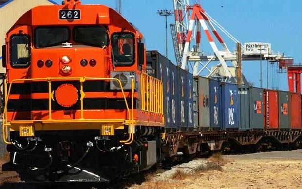هفت درصد خط ریلی و 36 درصد حمل بار مربوط به راهآهن یزد است