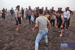 مسابقات محلی کبدی در ساحل سحرخیز محله لاهیجان برگزار شد   تصاویر