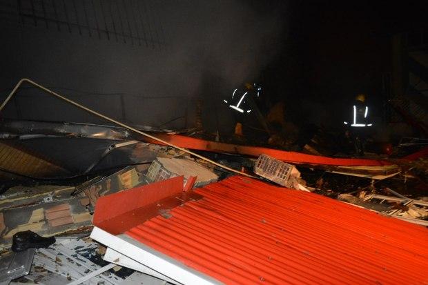 اطفاء حریق در کارگاه تولیدی کفش پس از 6 ساعت تلاش آتشنشانان