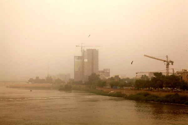 منشا دود اهواز معلوم شد   آتش در تالاب هورالعظیم علت اصلی است