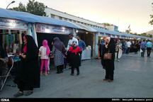 لزوم راهاندازی بازارچههای صنایعدستی در سطح شیراز  گردشگران خارجی از بازار اصفهان خرید میکنند