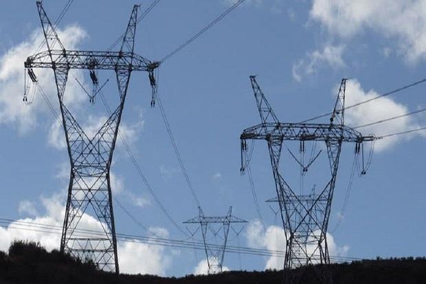 724 دکل انتقال و فوق توزیع برق خوزستان دچار آبگرفتگی شدند
