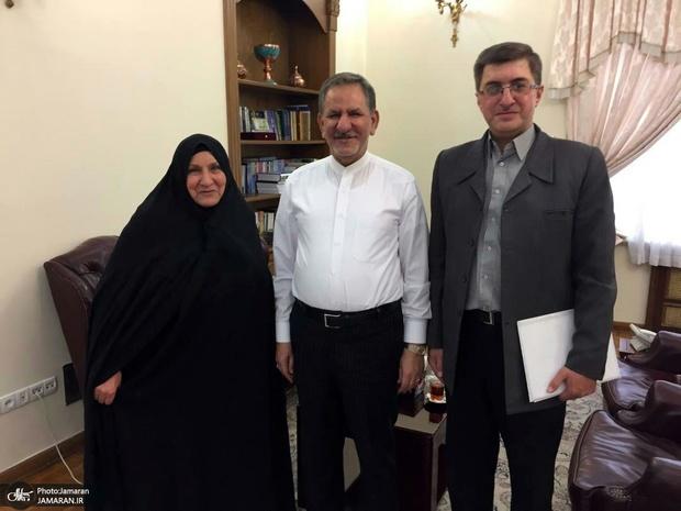 دیدار همسر و مادر ۲ شهید، بانوی شورایار منطقه ۸ با معاون اول رئیس جمهوری