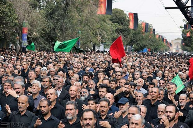 شور دلدادگان حسینی در قزوین به یاد عملدار دشت کربلا