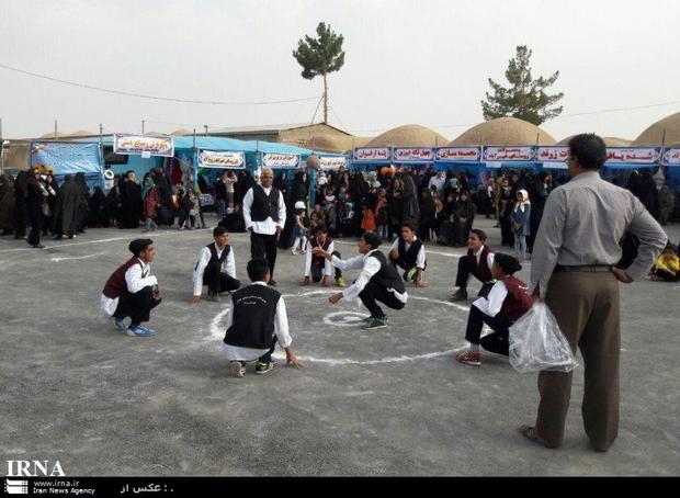 جشنواره بزرگ عشایری و بازیهای بومی محلی پیشوا برگزار شد
