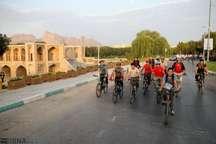 دوچرخه در اختیار شهروندان کم برخوردار اصفهان قرار می گیرد