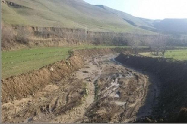 پنج هکتار از حاشیه رودخانه گرمی چای آزاد سازی می شود