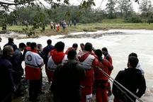 50 امدادگر در جستجوی سرنشینان خودرو در رودخانه فومن هستند