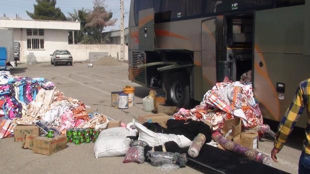 اتوبوس های حامل کالای قاچاق در لارستان توقیف شدند